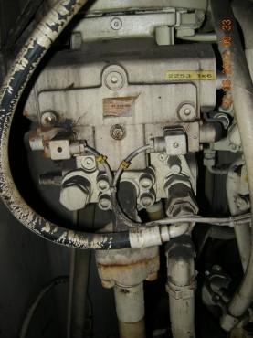船舶液压泵维修现场