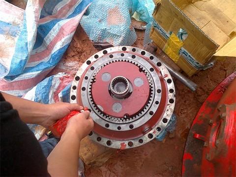 维修布雷维尼ED2250动力头减速机